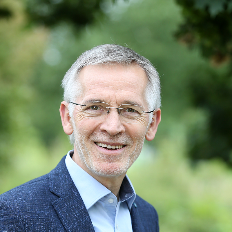 Dr. Reinhard Pauw